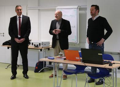 Uwe Franz, Beigeordneter der Stadt Worms, Dieter Haag, Geschäftsführer der Freizeitbetriebe und Kommunikationstrainer Kristof Wachsmuth.