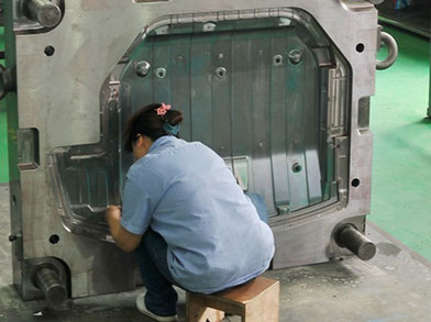 Have a Keen Look at Plastic Mold Maker and Injection Molding