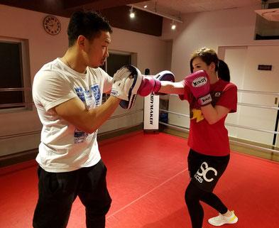 細川貴之のボクシングパーソナルでミット打ち