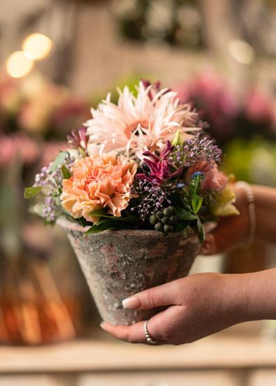 blumen und vasen fleurs reichenbach das besondere floristikgesch ft in b lach. Black Bedroom Furniture Sets. Home Design Ideas