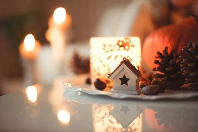 Weihnachten feiern ohne Hektik und Streit: machen wir es uns hyggelig