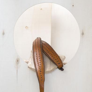 Akkordeongurt mit Ziernaht und Punzierung