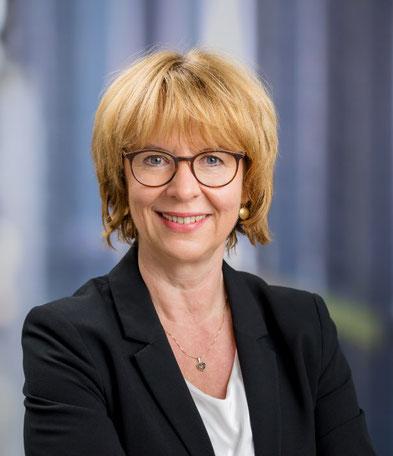 Portrait Dorothea Oriefe, Geschäftsführerin von Oriefe interior, Agentur für Inneneinrichtung
