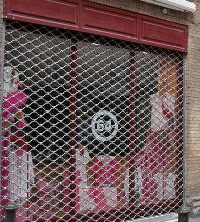 Grille métallique de magasin