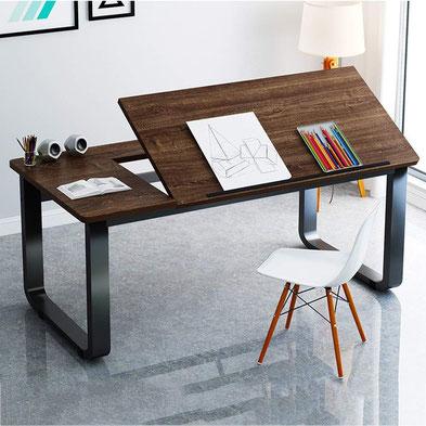 机の色は落ち着いた色を選ぶことを勧める写真