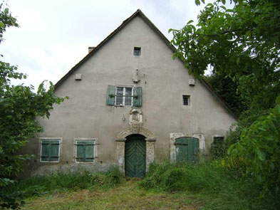 Die Denkmalschutz Immobilie Makler historischer Häuser ehem. Bauernhof großes grundstück in Schlossberg