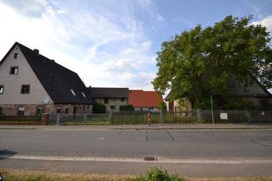 Die Denkmalschutz Immobilie Makler historischer Häuser Bauernhof mit großem Grunstück