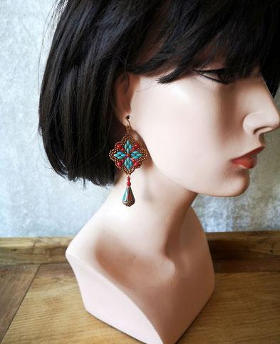 Boucles d'oreille pendantes d'inspiration écossaise