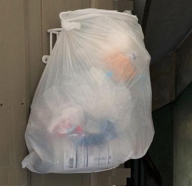 Køkken affaldssortering med affaldsstativ Flower, del af affaldssorterinssystem. med 15 l pose.
