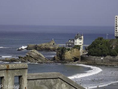 Bild: Rocher de la Vierge in Biarritz