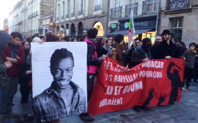 Solidaritetsdemo med Théo Luhaka i Paris
