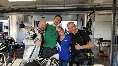 YaKa-Racing - Holger, Scheini, BOXENCHEFIN Tamara und da Chri