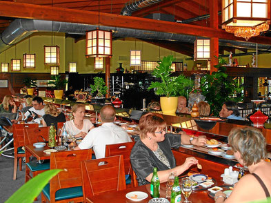 """Buffet """"All you can eat"""" am Laufband"""