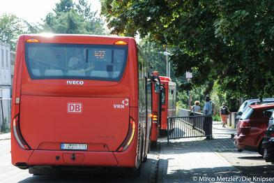 Auch Schulbusse müssen durch, doch manchmal gibt es da auch schon Probleme in den Straßen.