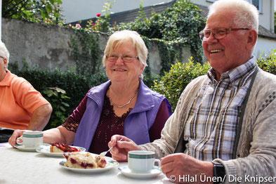 Mal wieder lud der Bürgerverein zu Kaffee und Kuchen in der Altbachanlage ein.