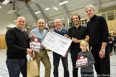Der Förderkreis spendet der TGO Handball e.V. 8000€.