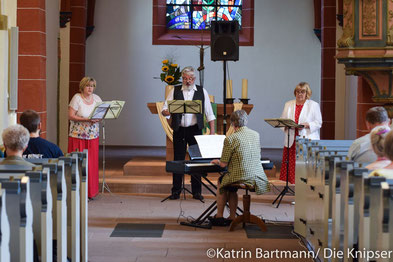 Die vier Musikanten des Mottenchors konnten bei ihrem Auftritt in der Bergkirche das Publikum für sich gewinnen.