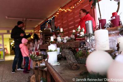 Die Kita Rappelkiste veranstaltete einen Weihnachtsmarkt, mit dessen Erlös sie einen neuen Wasser-Sand-Spielplatz finanzieren werden.