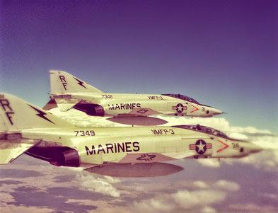 Una coppia di RF-4B dei Marines.
