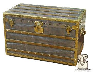 Explorer Mail trunk  Zinc and brass Louis Vuitton