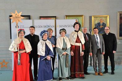 Gruppenfoto der Sternsingerdelegation aus Berg-Hausheim, die 2018 stellvertretend für das Bistum Eichstätt bei Bundeskanzlerin Merkel in Berlin war, Foto: Ralf Adloff/Kindermissionswerk