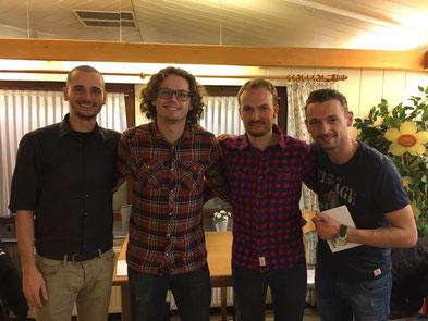Markus S, Benjamin C, Lars B und Simon F.