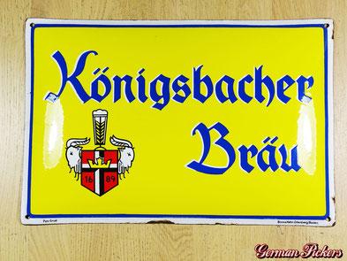 Königsbacher Bräu - Emailschild  Deutschland um 1920  Boos & Hahn Ortenberg Baden, 33 x 50 cm  Uns das einzig bekannte Exemplar mit dieser außergewöhnlichen und für die Königsbacher untypischen Schriftart.