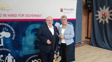 Antisemitismus-Beauftragter Dieter Burgard mit Helga Lerch