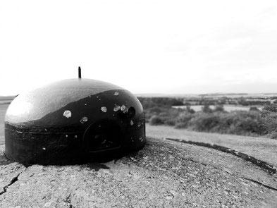 Cloche GFM du Bloc II après les impacts des canons de 37mm allemands (photo F.Dannenhoffer