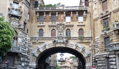 arco di ingresso Quartiere Coppedè