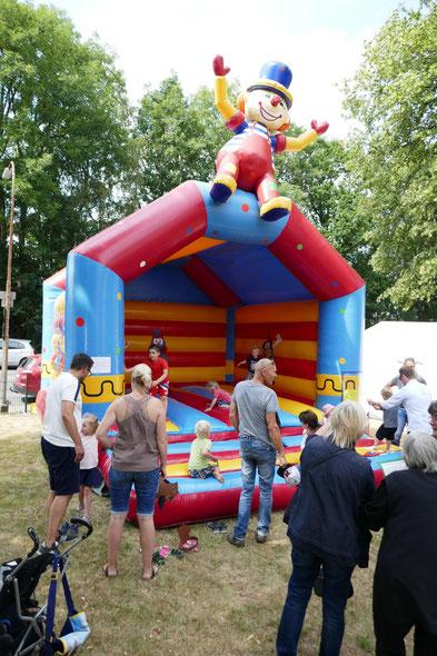 Hüpfburg auf unserem Gemeindefest 2019