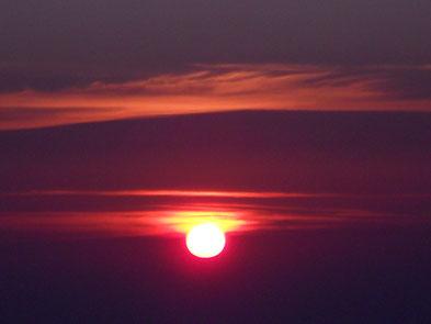 Levé de soleil au sommet du Canigou