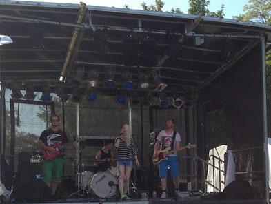 Mila Masu Bandfoto auf dem GARNIX-Festival in Garching bei München