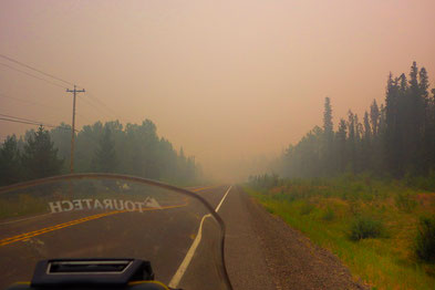 Durch die vielen Waldbrände fuhr ich wie durch Nebel