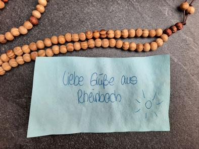 Eine von den Tasbīḥ-Gebetsketten, die von Inhaftierten in der Werkstatt der JVA Rheinbach für muslimische Inhaftierte hergestellt wurden.