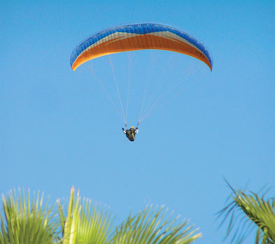 Habitez en Corse et profitez des activités que l'île offrent : parapente