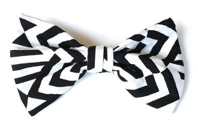 Die Haarspange Curitiba ist ein Unikat aus Baumwolle /Materialmix Länge: ca. 19 cm, Breite: ca. 11 cm, Haarspange : 6 cm