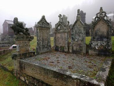 L'ensemble des 5 stèles de Jean Cacaud