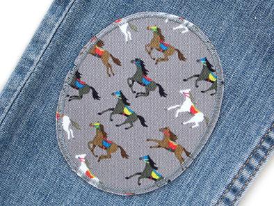 Bild: Knieflicken Pferde grau, Flicken zum aufbügeln Bügelflicken für Mädchen im Set