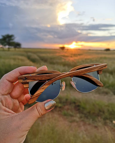 Sonnenbrille-Holz Holzbrille Anna-Heiser Zebrano-Bridge Lemonwood-Holzbrille Sonnebrille-Holz