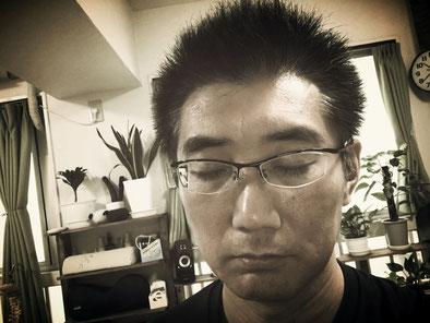 疲れているイメージ、博多あんしん整体院、山岡哲也院長の画像