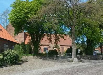 Historische Kirche in Waabs