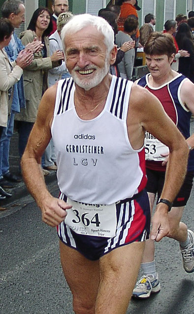 Waldemar Hartmann mit einem Lächeln auf den Lippen (Archivbild  Altersklasse M 80)