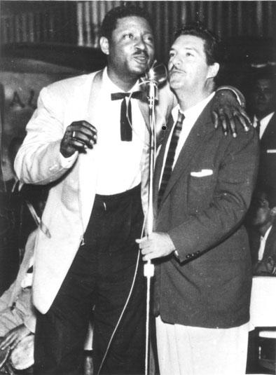 Benny Moré y Roberto Faz, actuando en el Alí Bar - 1957.