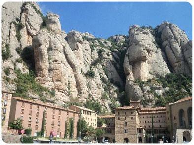 Montserrat guía turístico con idioma ruso, guía turístico en Montserrat, guía oficial de Cataluña, guía turistico en Barcelona, guía ruso en Gerona, guía ruso en barcelona, guía con idioma ruso en Costa Bravaa