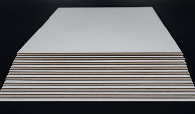 Vollpappzuschnitte einseitig weiß gestrichen