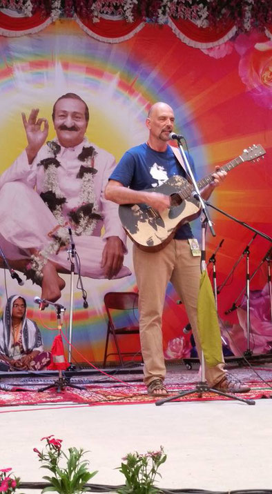 Bob performing at Meherabad, INdia