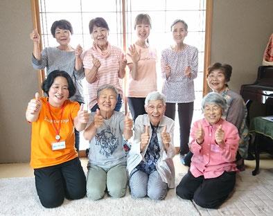 2019年6月松阪市コスモソフィア研究所笑い(ラフター)ヨガ様子