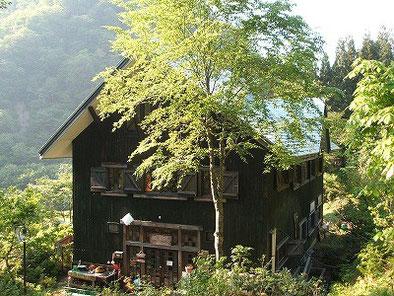 朝日鉱泉建物