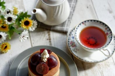 モンブランケーキと紅茶でひとやすみ。